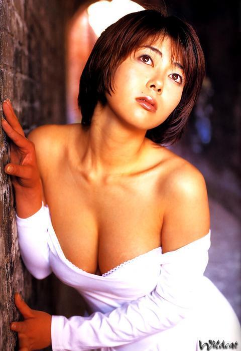 atsuko_okamoto1018.jpg