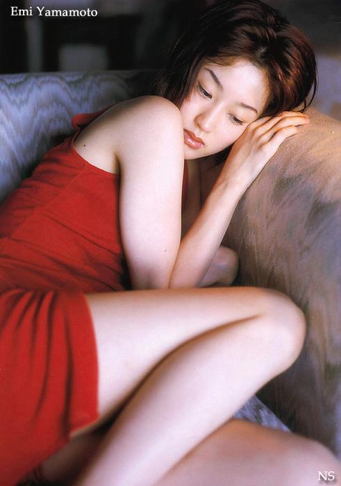 emi_yamamoto_13.jpg