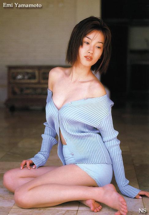 emi_yamamoto_2.jpg