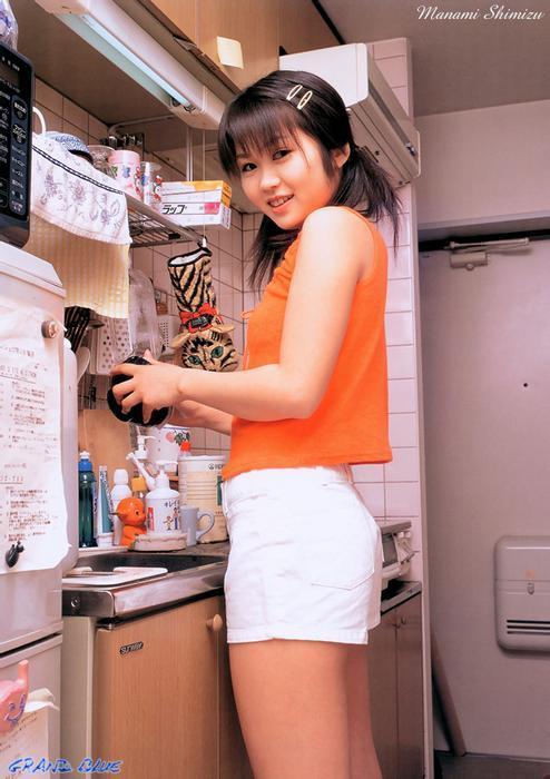 manami_shimizu_10.jpg